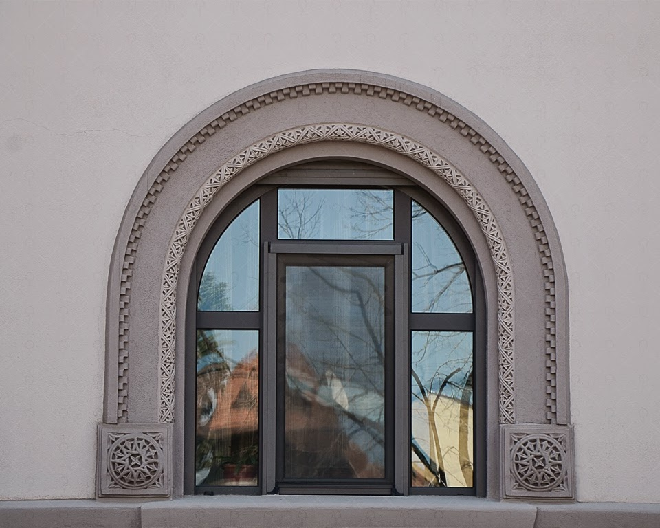 geam aracada din profile decorative polistiren pentru fatade case