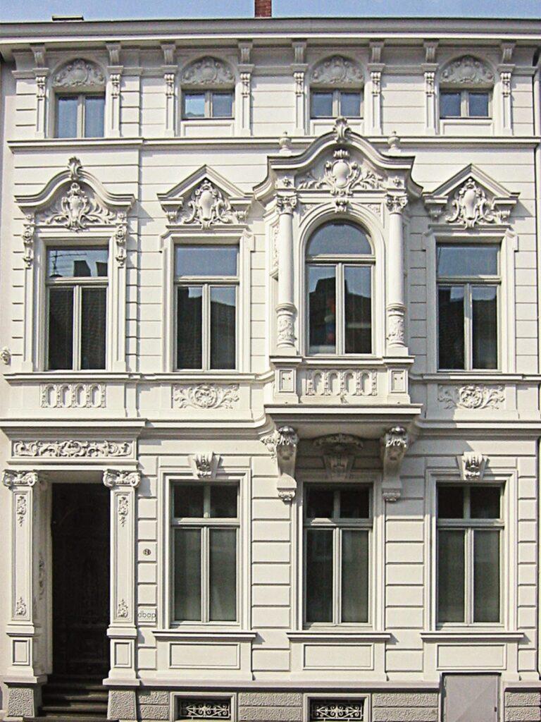 fatede clasice cu profile decorative din polistiren producator ornamente peronalizate