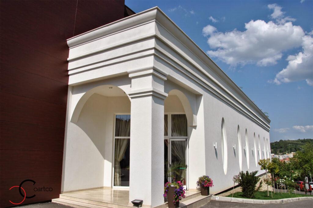 cornisa din polistiren pentru fatada sala de nunti, cornisa dimensiuni mari