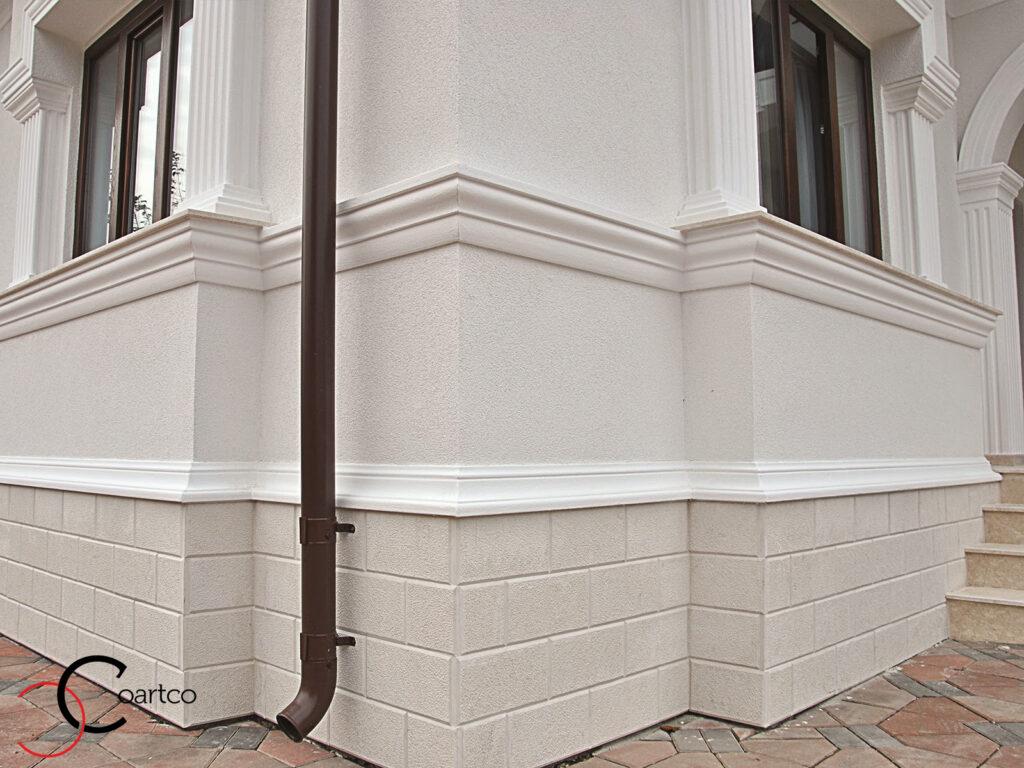 soclu casa din piatra cu profil decorativ din polistiren, soclu iesit in relief