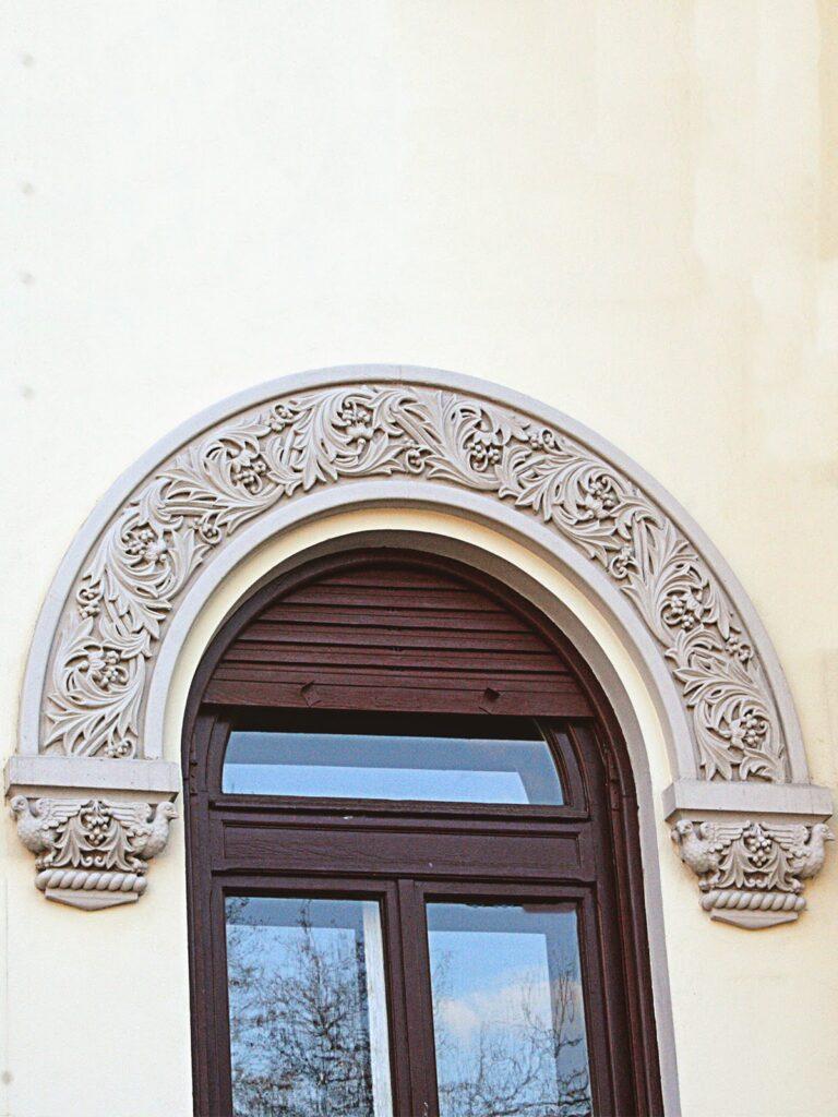 Arcada decorativa din polistiren cu model neoromanesc si console