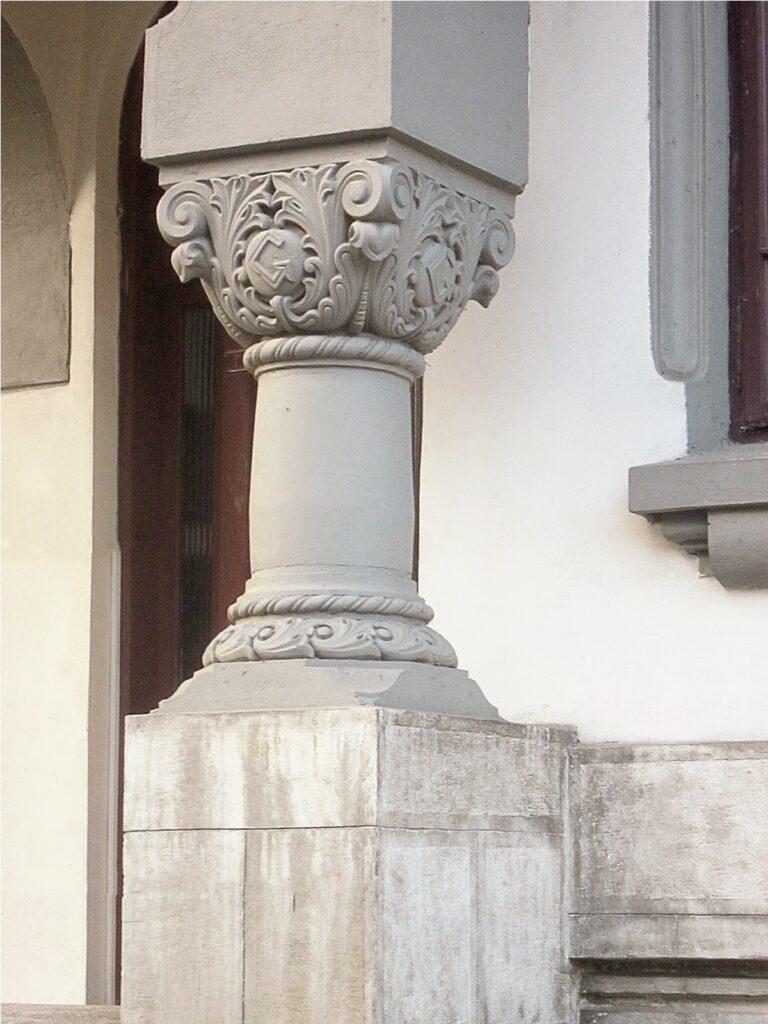 coloana neoromaneasca, coloana decorativa din polistiren