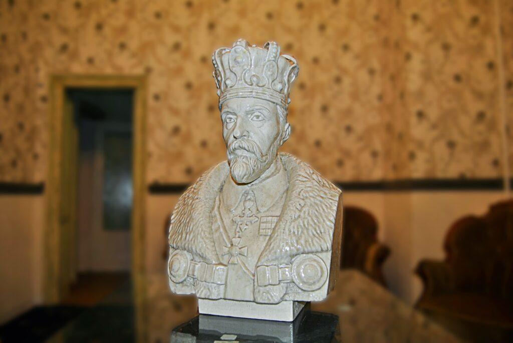 Bust Ferdinand I, bust polistiren