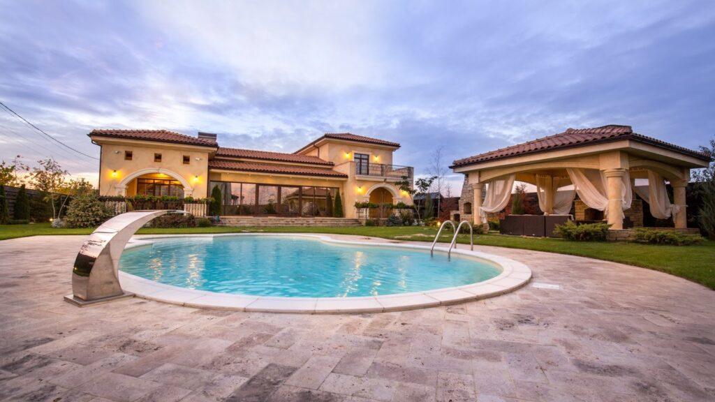 Inspiratie fatada casa mediteraneana cu profile din polistiren CoArtCo
