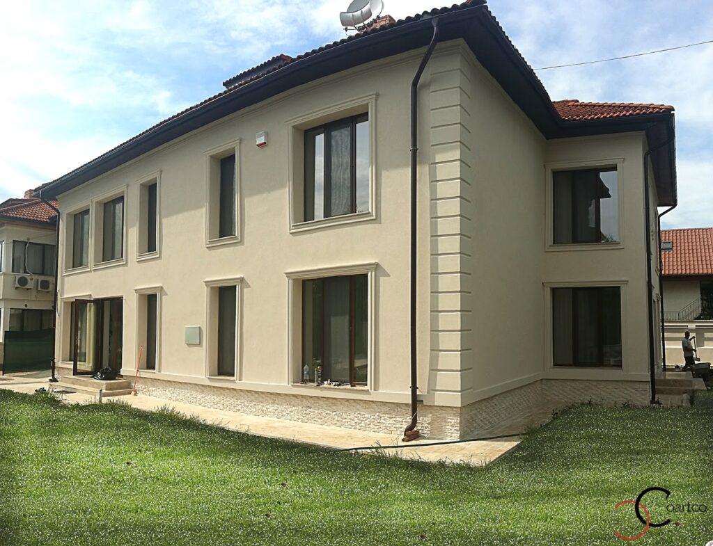Fatada Casa Moderna cu profile decorative din polistiren coartco