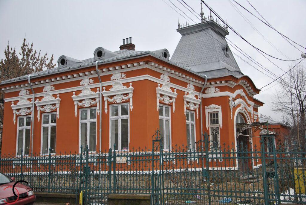 Reabilitare Fatada Casa Ploiesti cu Profile Decorative din Polistiren