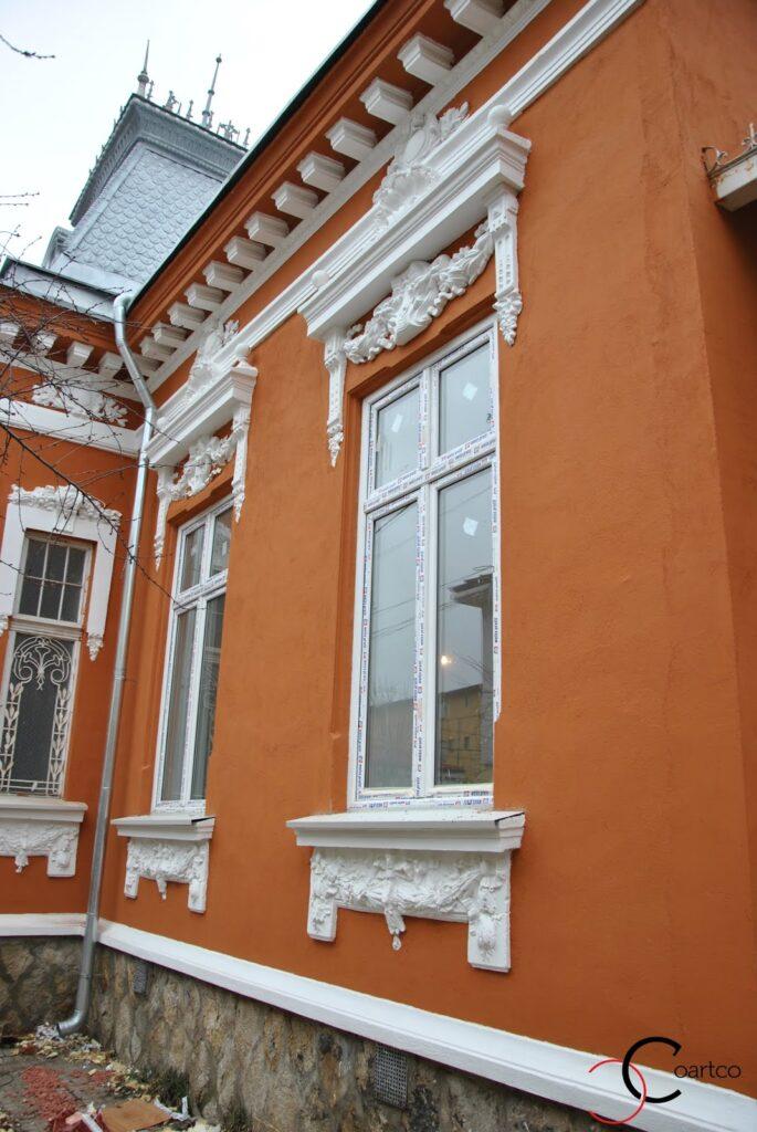 Profile Polistiren Complexe pentru Reabilitare Elemente Arhitecturale
