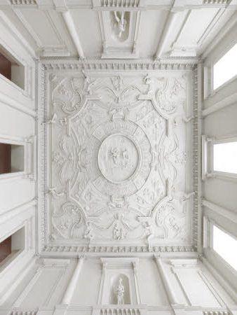 Stucatura Decorativa din Polistiren aplicata pe Tavanul Camerei