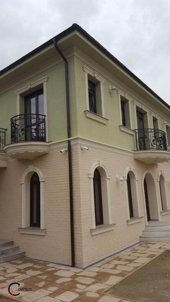 Fatada Casa cu Profile Decorative din Polistiren CoArtCo in Pitesti, Arges