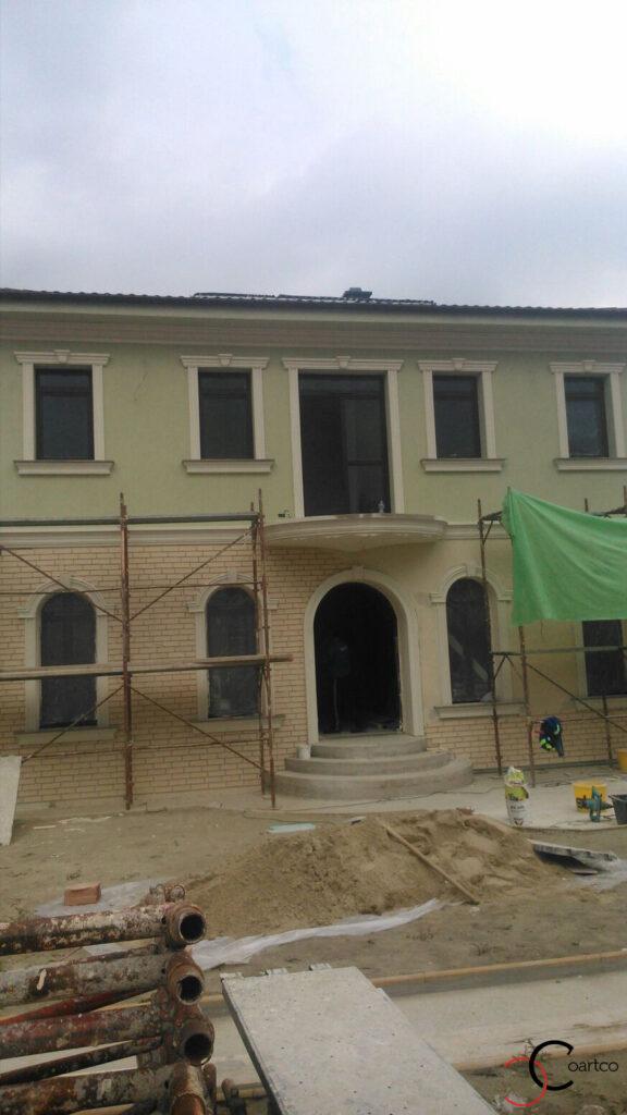 Montaj profile decorative pentru fatada casei in Pitesti, Arges