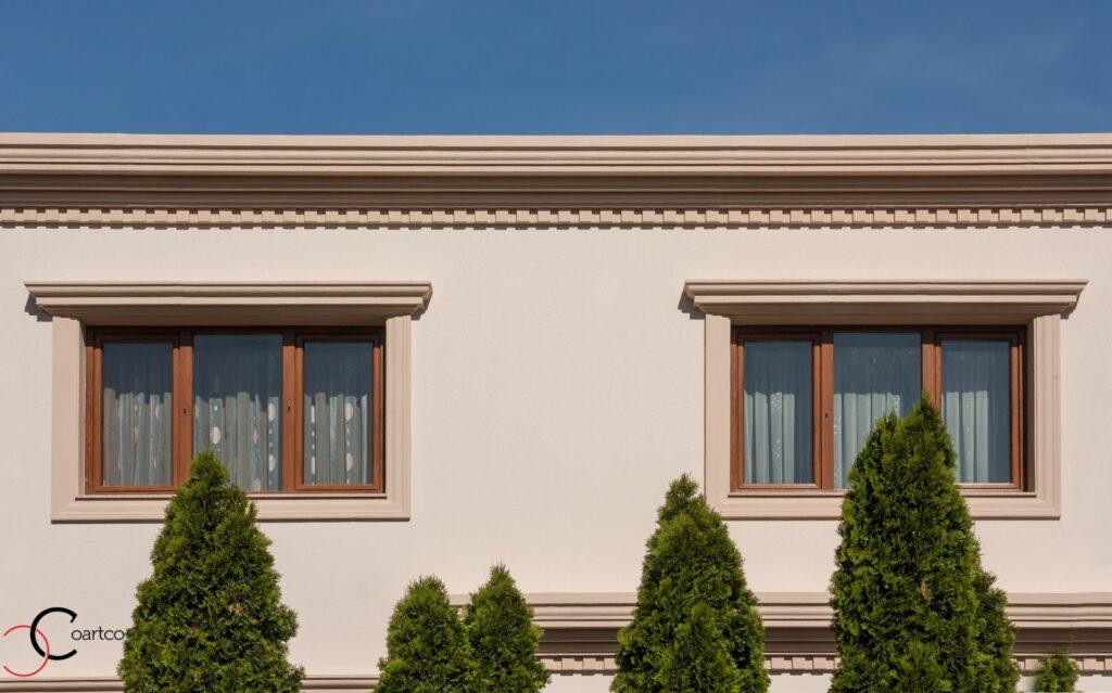 Casa Rezidentiala Bucurestii Noi cu Profile Decorative montate pe Fatada Casei