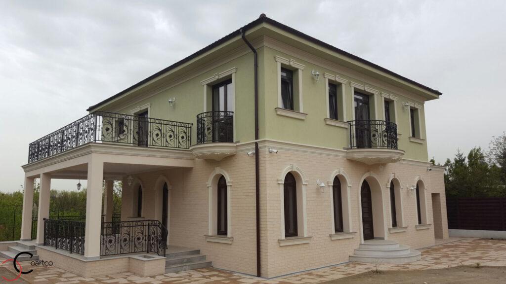 Modele de Fatade Casa cu Profile din Polistiren pentru Terasa si Balcon Rotund in Pitesti, Arges