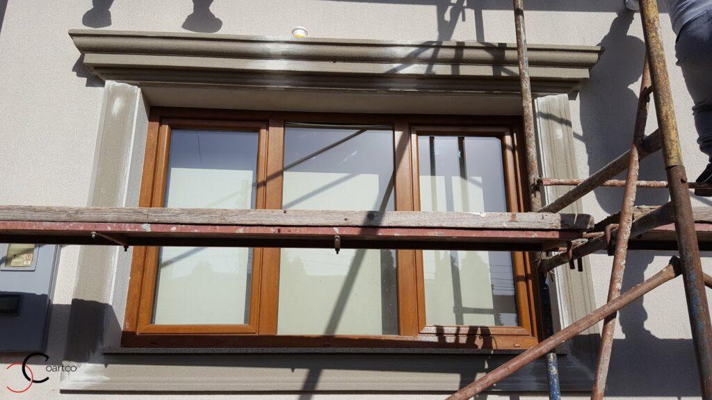 Montaj Profile Decorative din Polistiren CoArtCo pe Fatada Casei in Proiect Bucurestii Noi