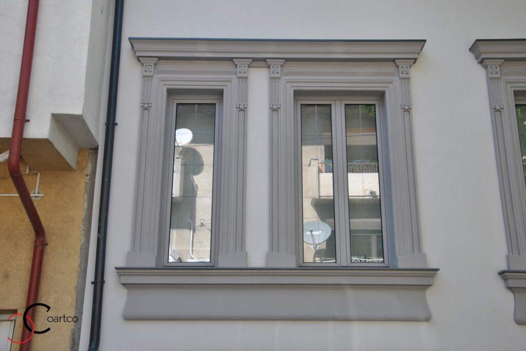 Ancadrament Decorativ din Polistiren montat in jurul geamului casa dana rogoz