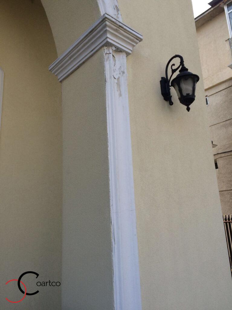 Profile Decorative din Ipsos Scorojite pe Fatada Casei