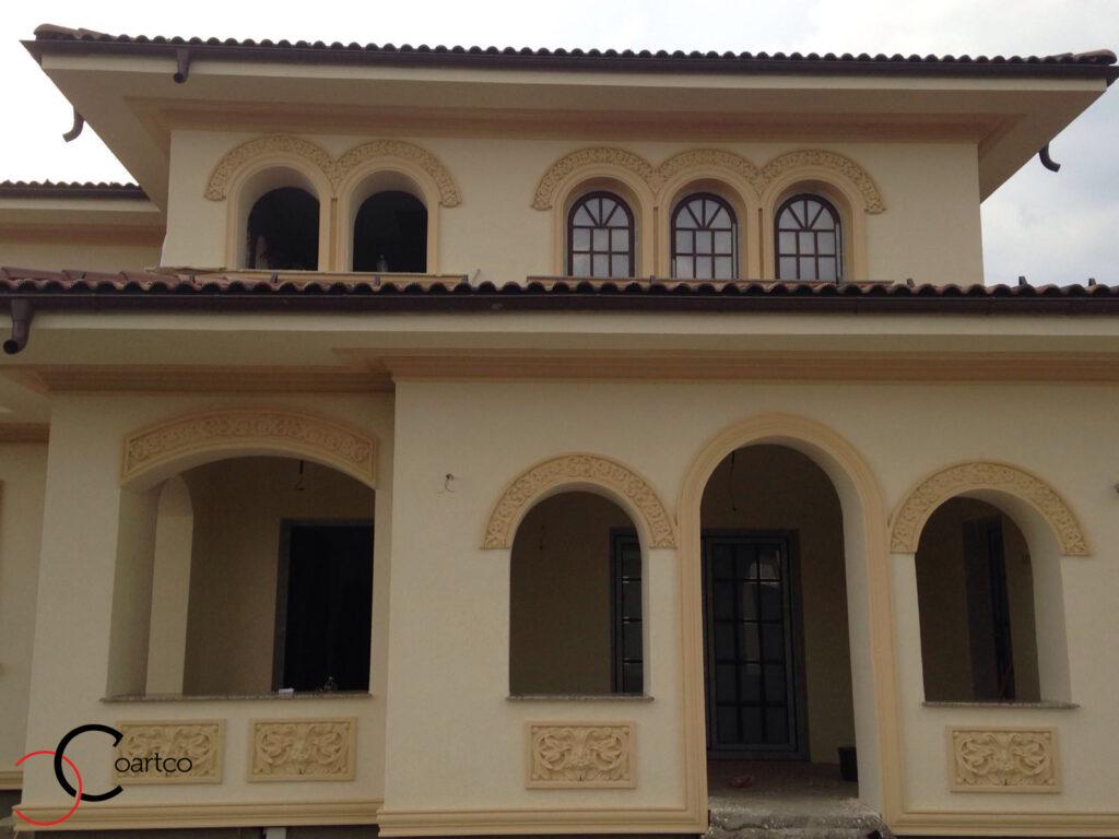 Profile Decorative din Polistiren CoArtCo Montate pe Fatada Casei