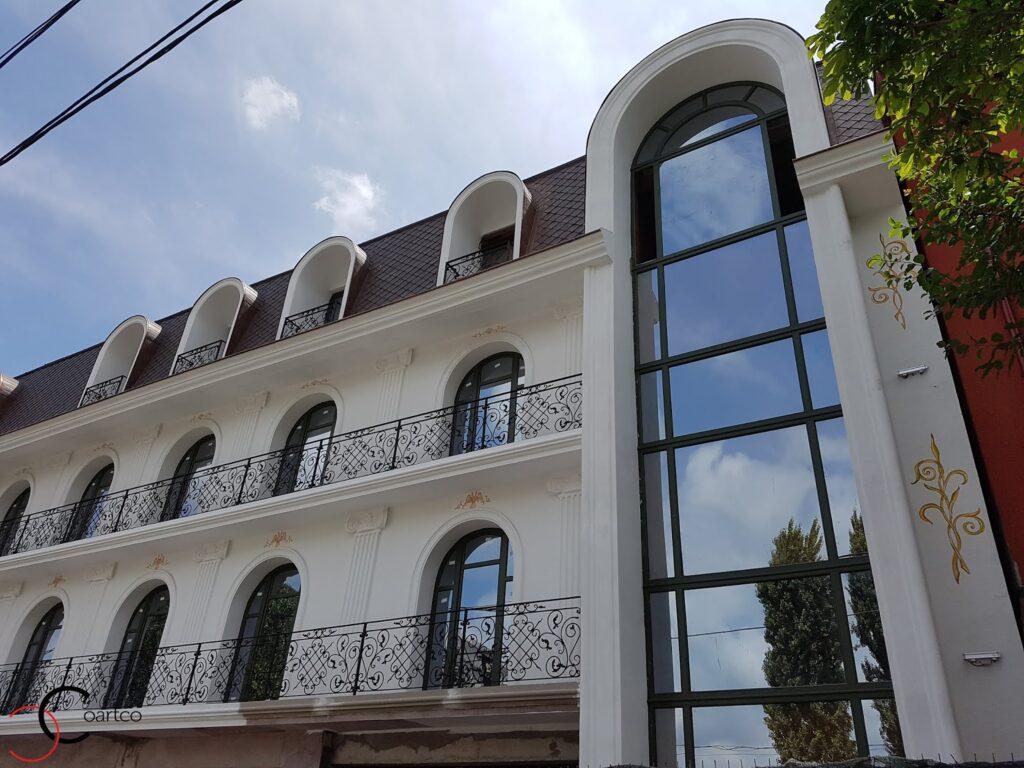 coartco produce profile decorative din polistiren pentru fatada casei sau a unui hotel