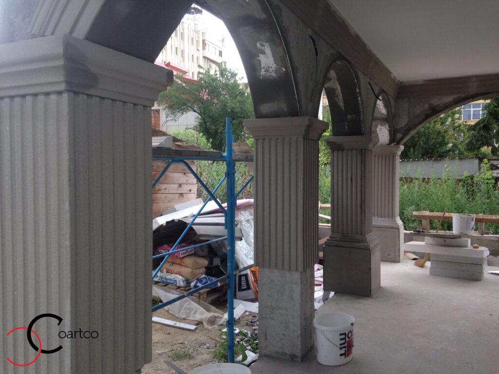 Montaj profile decorative din polistiren coartco coloane patrate si arcade