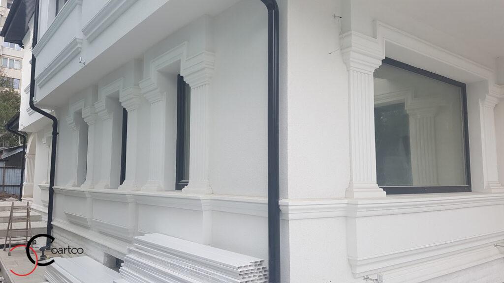 Fatade case cu ancadramente decorative pentru geamuri si ferestre din polistiren CoArtCo