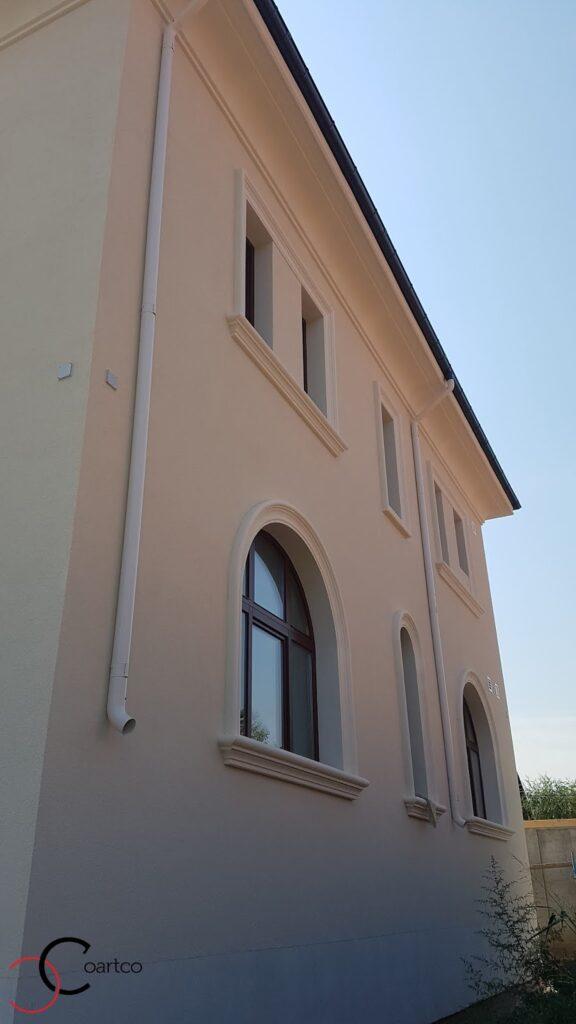 Profile decorative din polistiren CoArtCo pentru fatada casei - ancadramente ferestre