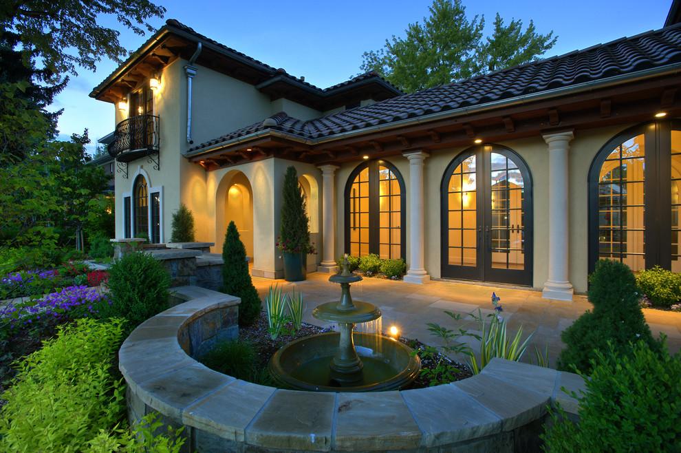 Fatada Casa cu Profile Decorative din Polistiren Ancadrament / Chenar Usa Intrare si Coloane Decorative din Polistiren