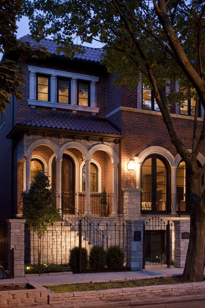 Fatada casa cu caramida aparenta si profile decorative din polistiren CoArtCo
