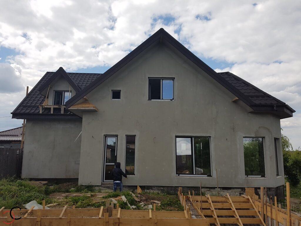 Manopera montaj profile decorative din polistiren CoArtCo pe fatada casei