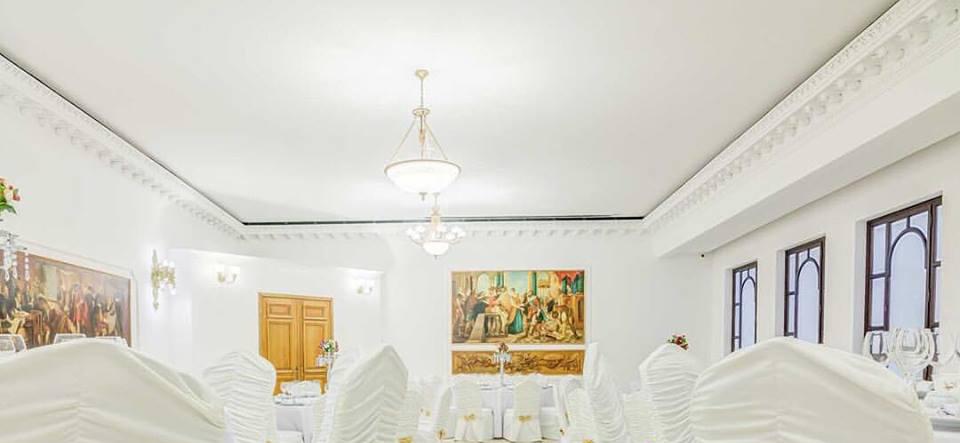 Salon Evenimente Hotel Capitol cu Profile Decorative din Polistiren CoArtCo