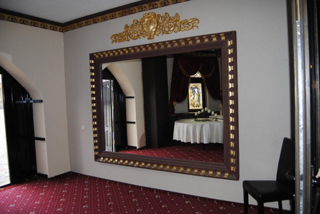Model rama de oglinda din polistiren CoArtCo pentru salon de evenimente