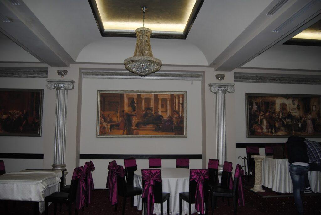 Profile decorative din polistiren CoArtCo pentru amenajare salon de evenimente