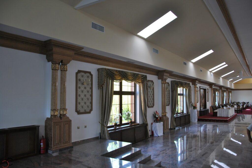 Amenajare sala de nunta si evenimente cu profile decorative din polistiren CoArtCo