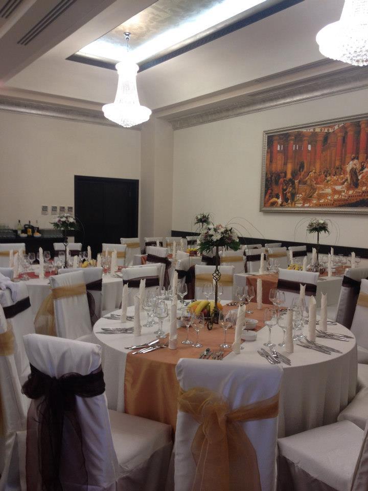 Amenajare sala de evenimente cu profile decorative din polistiren CoArtCo