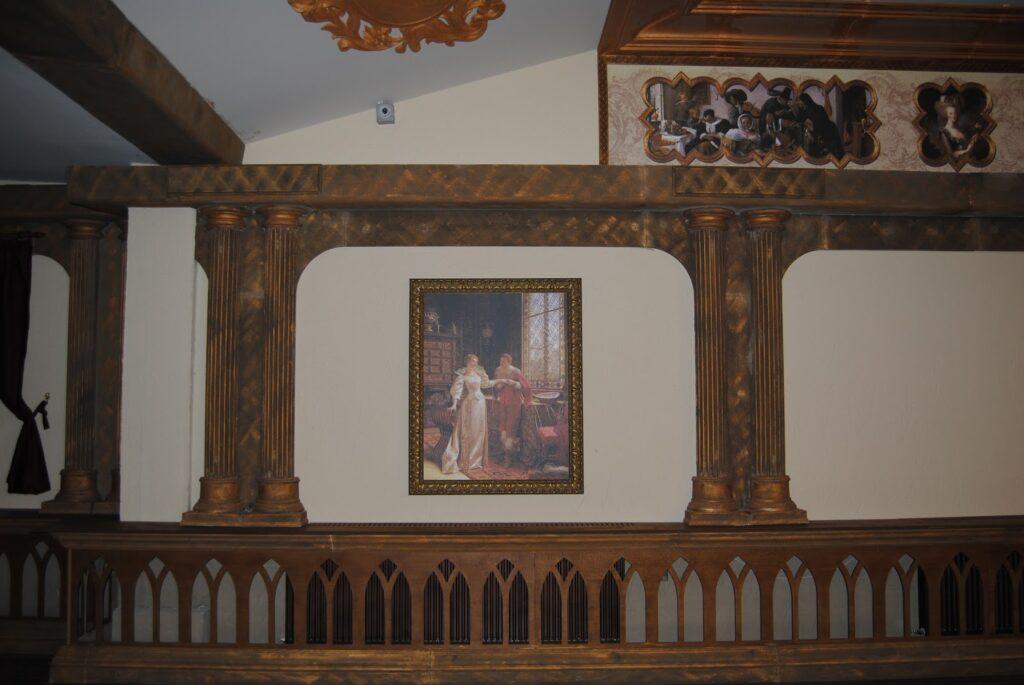 Coloane decorative din polistiren CoArtCo pentru interior salon de evenimente