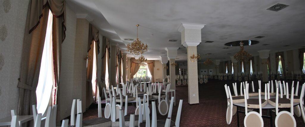 Amenajare sala de nunti si evenimente cu profile decorative din polistiren CoArtCo