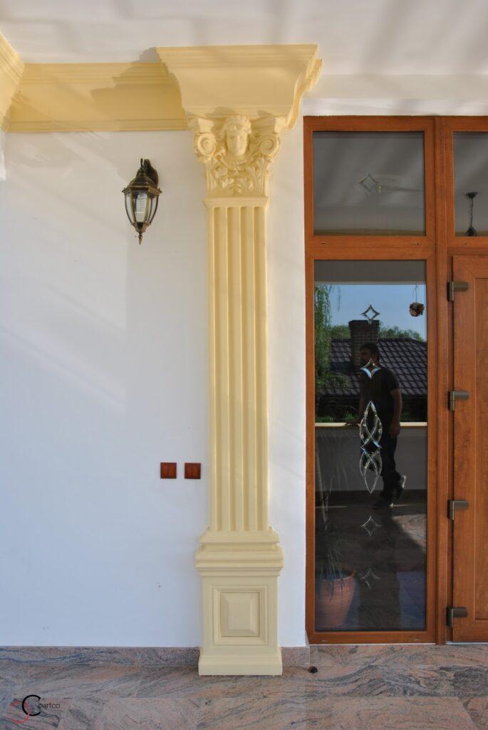 Coloana patrata decorativa pentru exterior salon de evenimente CoArtCo