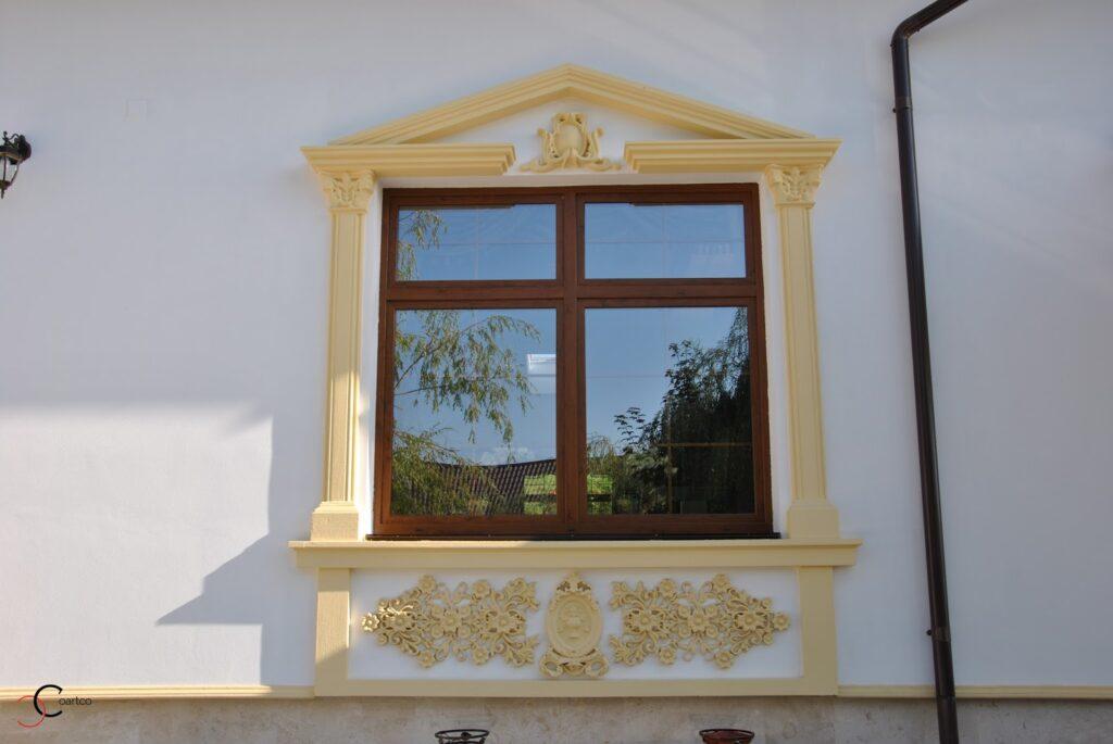 Ancadramente ferestre pentru saloane de evenimente din polistiren CoArtCo