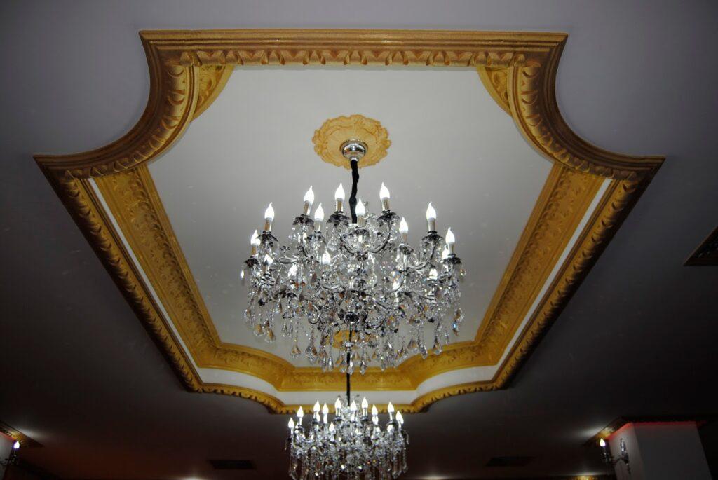 Decoratiuni din polistiren CoArtCo pentru amenajare interior restaurant si sali de evenimente