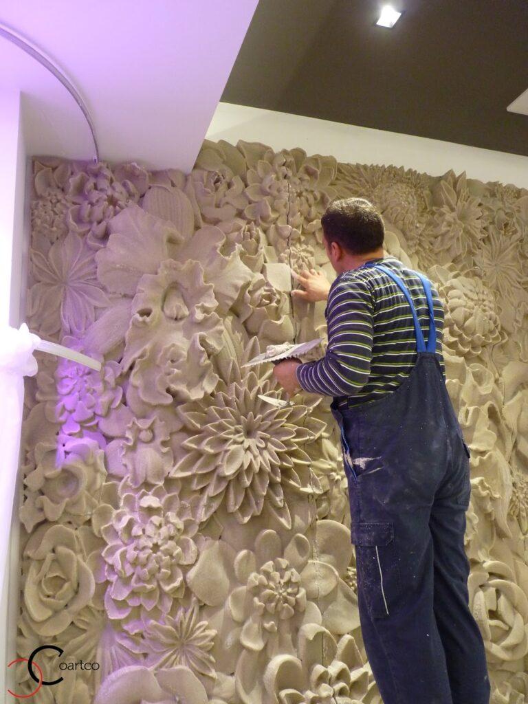 Manopera montaj panou decorativ din polistiren CoArtCo in sala de evenimente Panciu