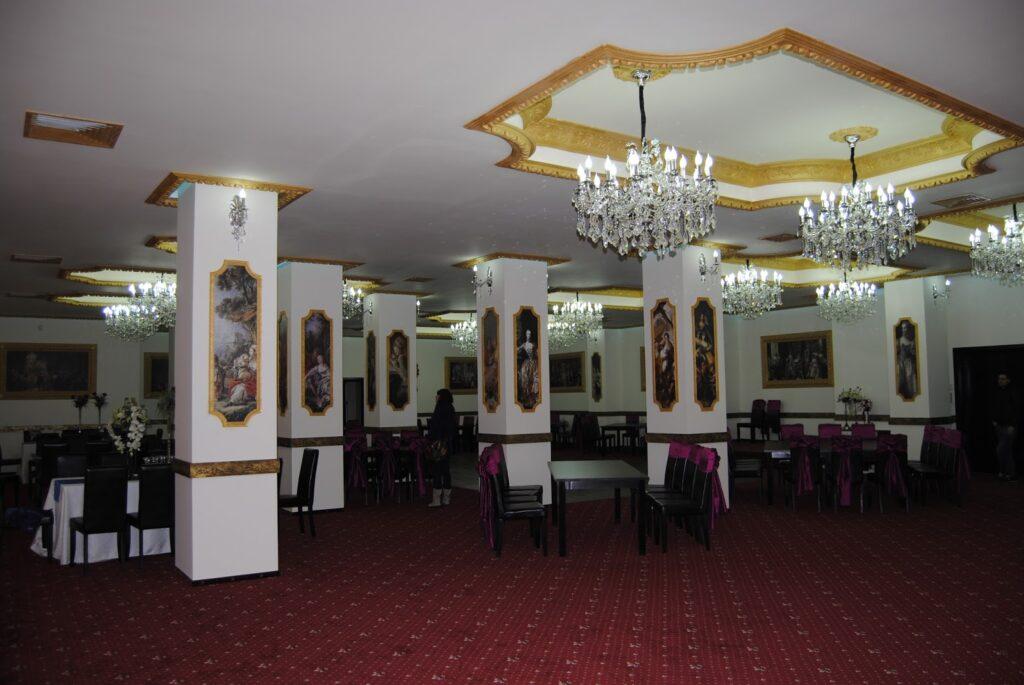 Amenajare sali de nunti si evenimente cu profile decorative din polistiren CoArtCo