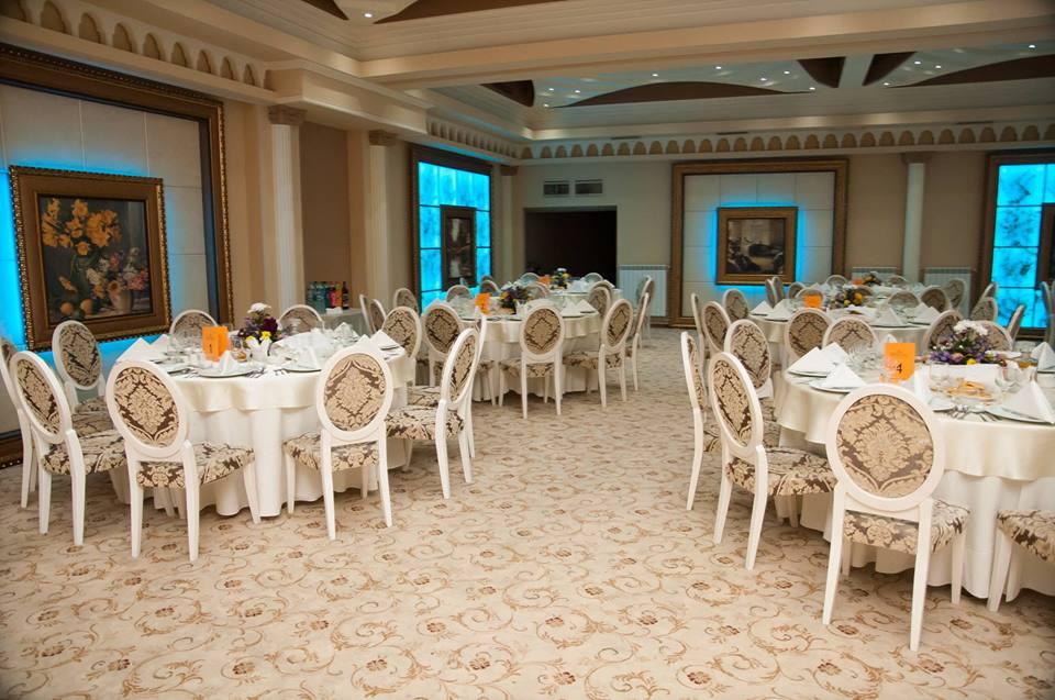 Amenajare sala de nunti si evenimente cu profile decorative CoArtCo