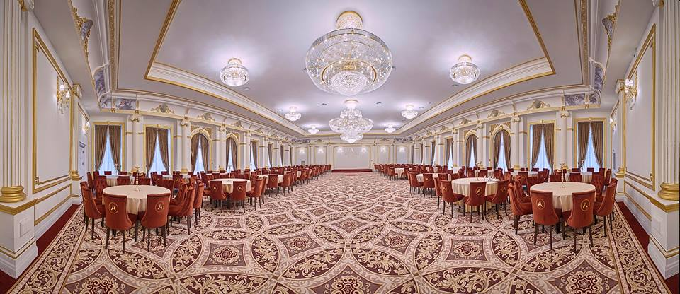 Palatul Alexander cu profile decorative din polistiren pentru interior salon de evenimente
