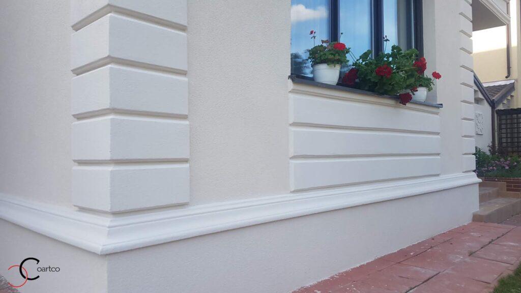 profile decorative personalizate din polistiren CoArtCo tip bosaj si panou decorativ