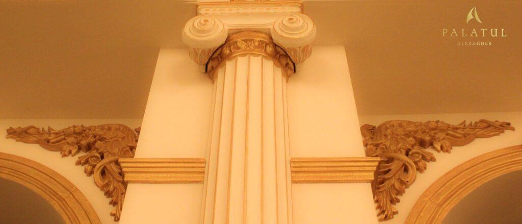 Coloana decorativa din polistiren CoArtCo pentru interior salon de evenimente