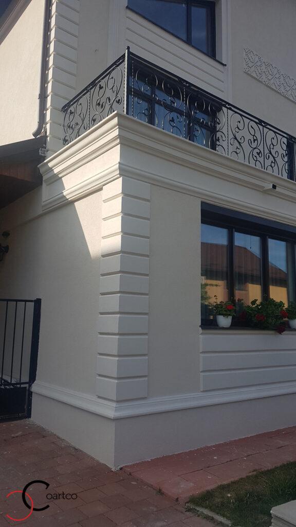 Fatada casa cu bosaj decorativ din polistiren CoArtCo