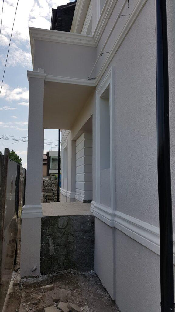 Terasa cu structura metalica si profile decorative CoArtCo