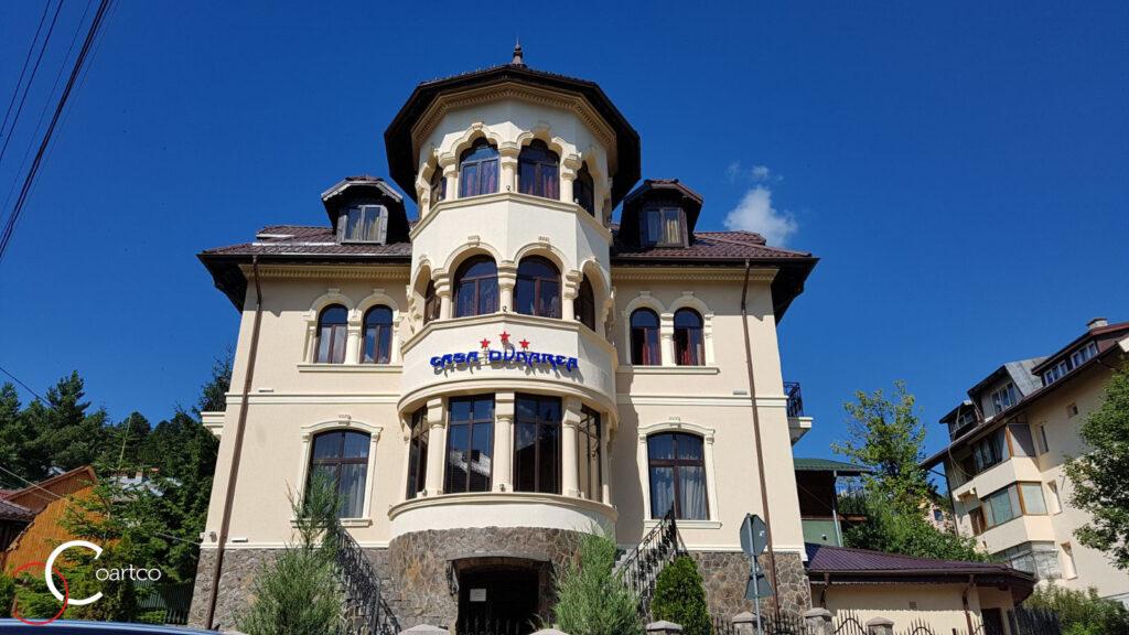 Fatada casa pensiune cu profile decorative din polistiren CoArtCo