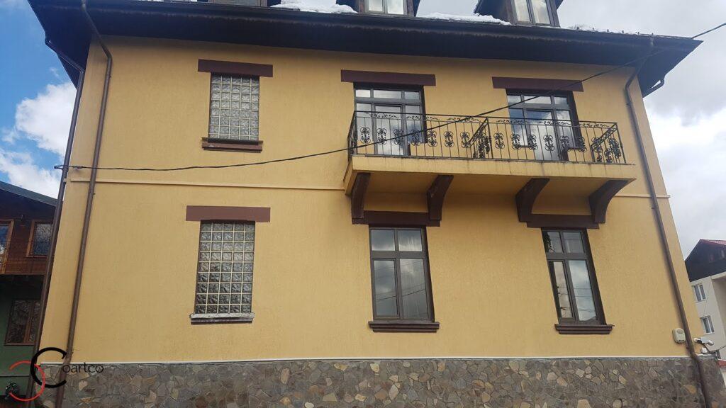 Pensiunea Casa Dunarea Predeal cu fatada fara profile decorative din polistiren CoArtCo