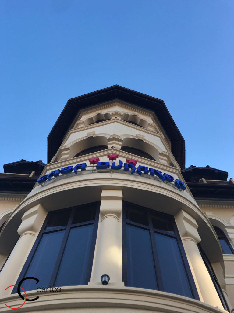 Amenajare fatada pensiune si hotel cu profile decorative din polistiren CoArtCo