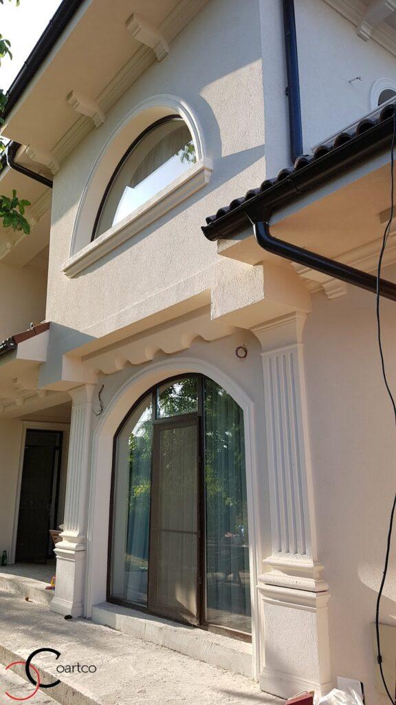 Intrare cu arcada si fereastra cu arcada decorativa din polistiren CoArtCo