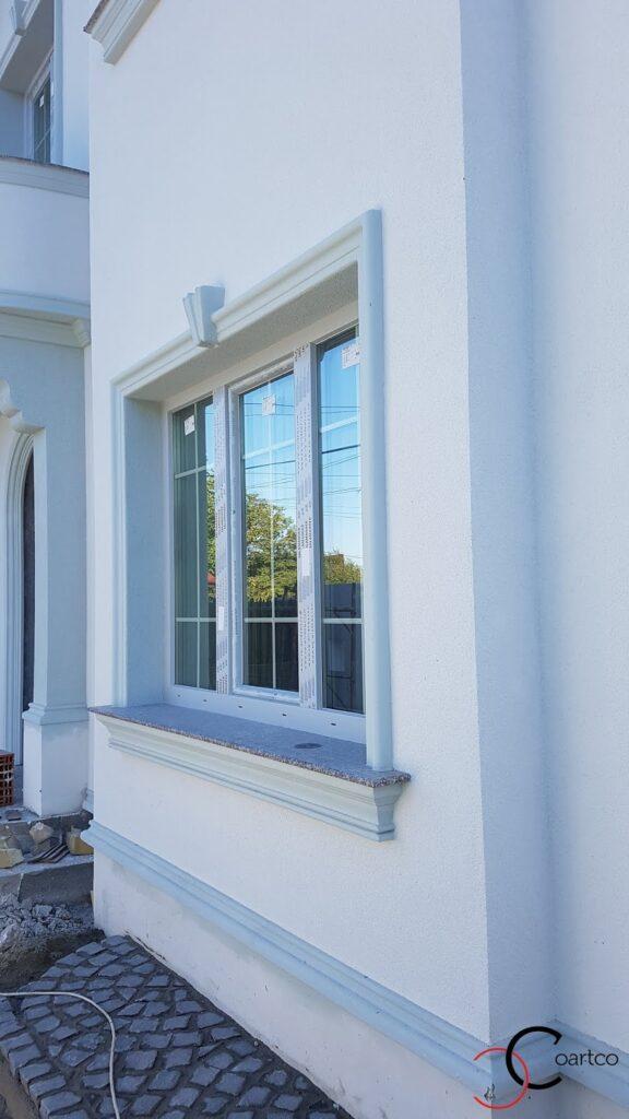 Ancadrament fereastra cu cheie de bolta si solbanc CoArtCo